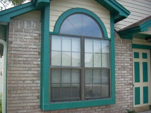 Half round window BEFORE